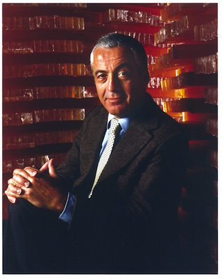 Photo of Lloyd Cotsen, former president, chief executive & chairman of NEUTROGENA®